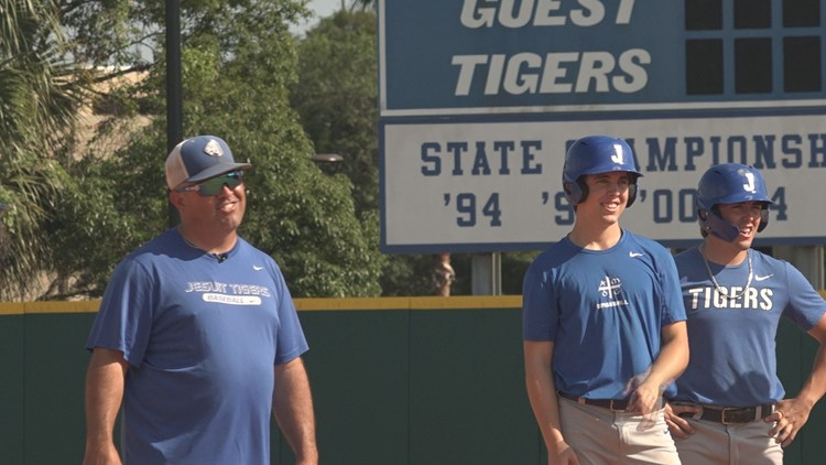 After Jesuit coach cuts his own son, the Menendez family is ready to win a championship together in 2021