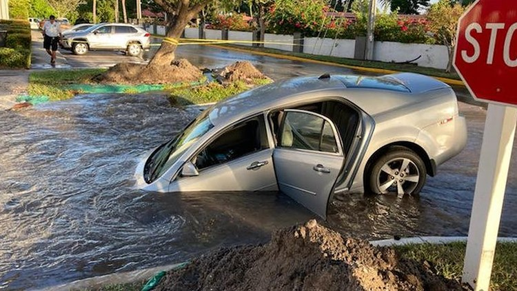 Driver rescued from hole filled with water at Clearwater apartment complex