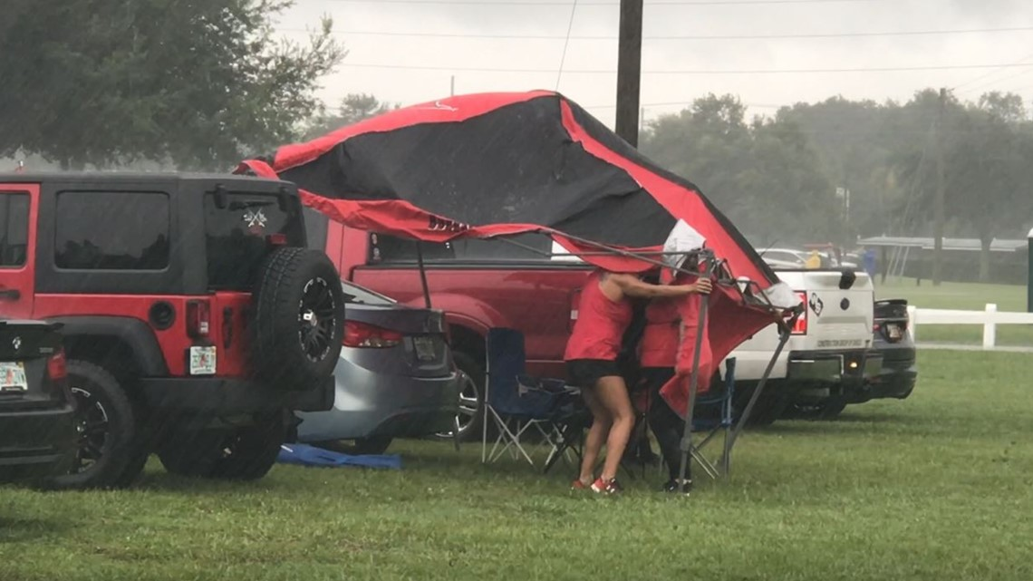 Rain? No Problem! Buccaneers fans take on first preseason home game