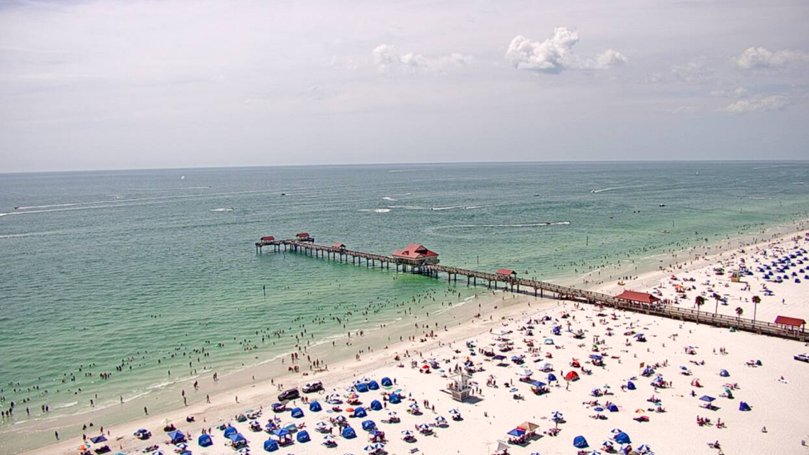 Pinellas County beaches reaching 'unprecedented levels' of capacity