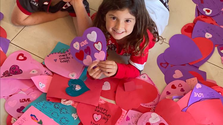 Kids facing cancer receive surprise Valentines from students at different school