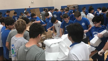 Volunteers pack 7,000 chicken dinners to support Tampa Bay nonprofits