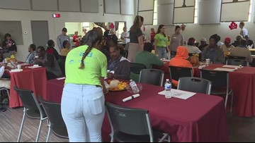 Metropolitan Ministries feeds thousands a Thanksgiving dinner