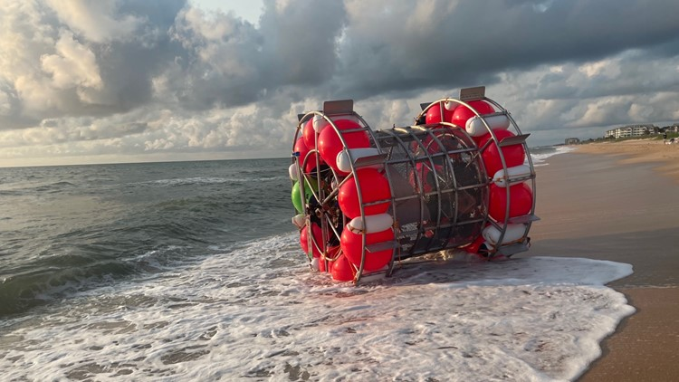 Man's journey from Florida to New York in a floating bubble at a standstill