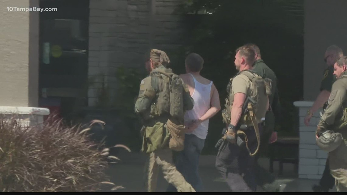 Police: Convicted felon arrested after 12-hour SWAT standoff at Pinellas Park hotel