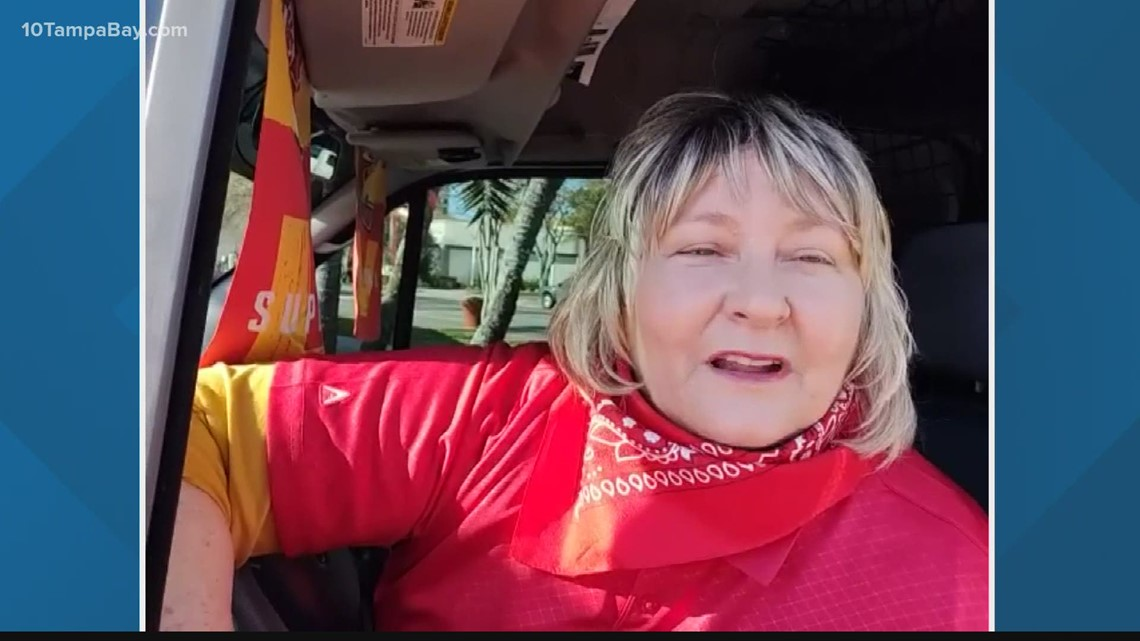 Woman drives to Tampa to perform weddings out of her van ahead of Super Bowl