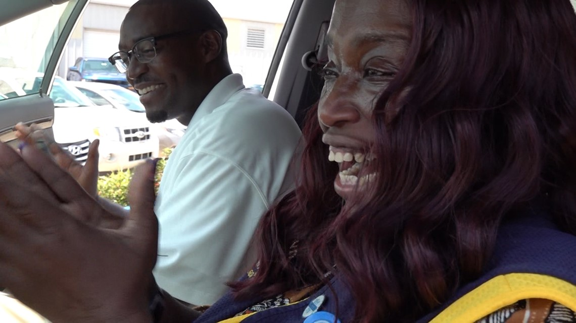 Walmart cashier who walked 6 miles to work will get a car